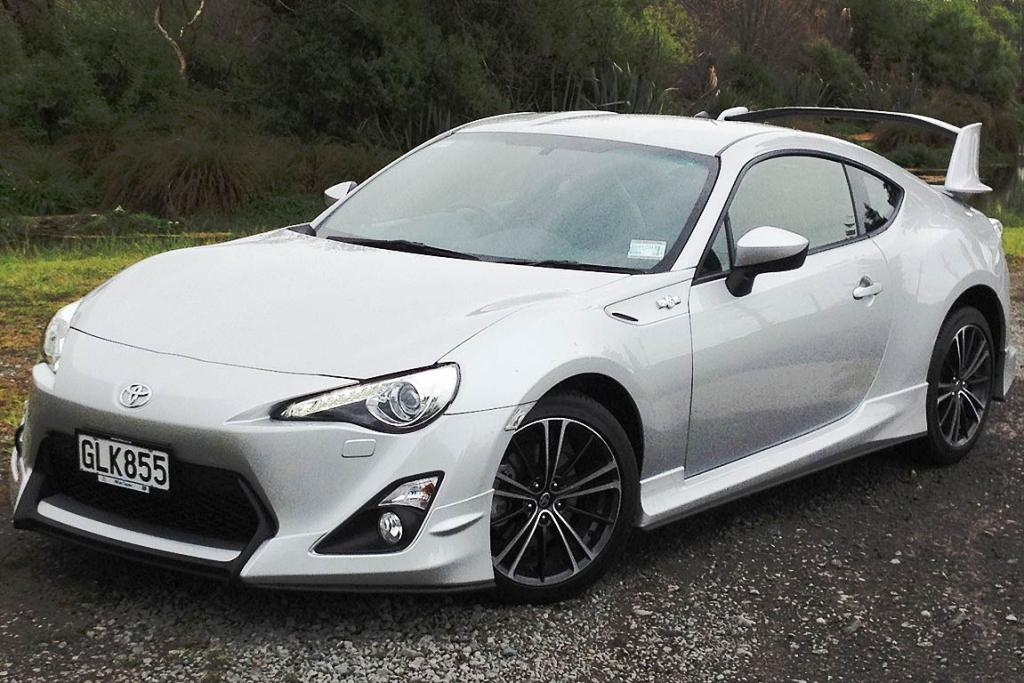 Awesome Toyota 86 Sports Car