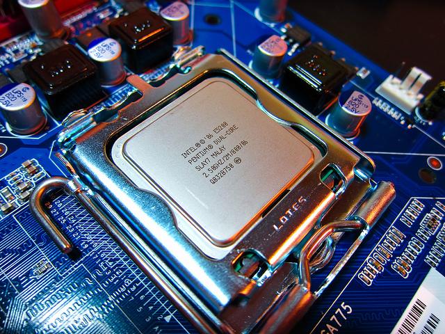 Intel E5200