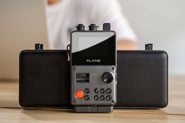 flang_hifi_player_and_dock_speaker