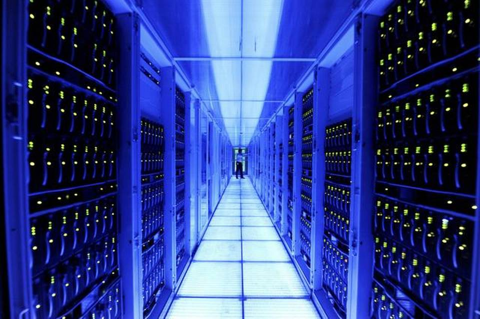 What Are Computer Hosting Servers? | TechWinter - Technology News ...