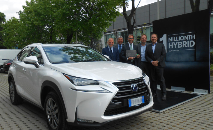 lexus hybrid one million sales